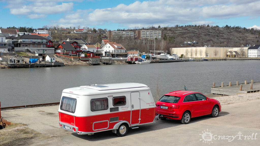 Colorful red Rockabilly caravan greatly combines with Misano Red Audi