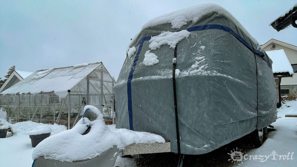 Hymer cover protects from snow and ice at winter