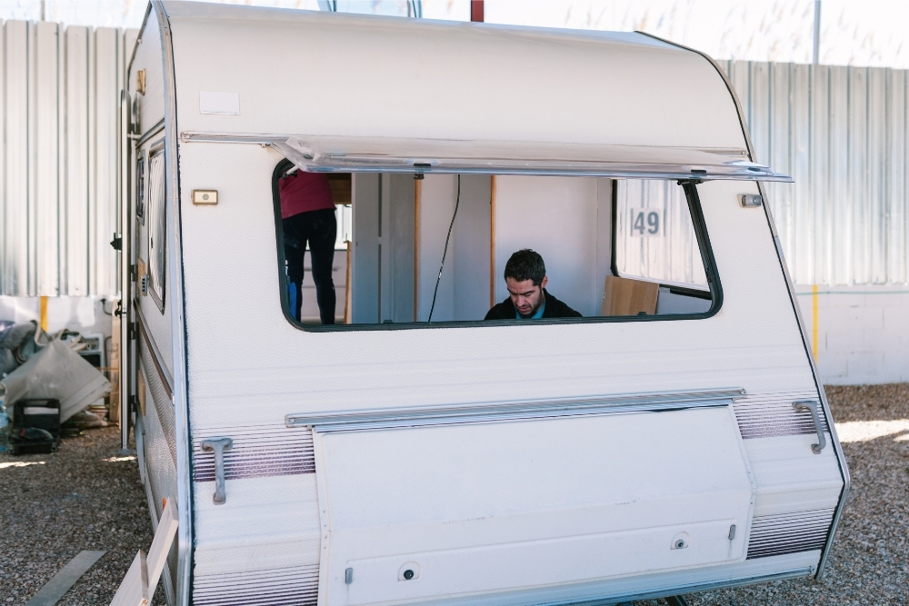 Can You Paint The Outside Of A Caravan?